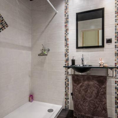 Salle de douche individuelle